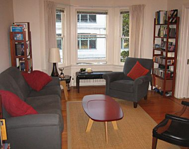 https://www.bbcleaningservice.com/wp-content/uploads/2011/08/pine-street-apartment-living-room-furnished2.jpg